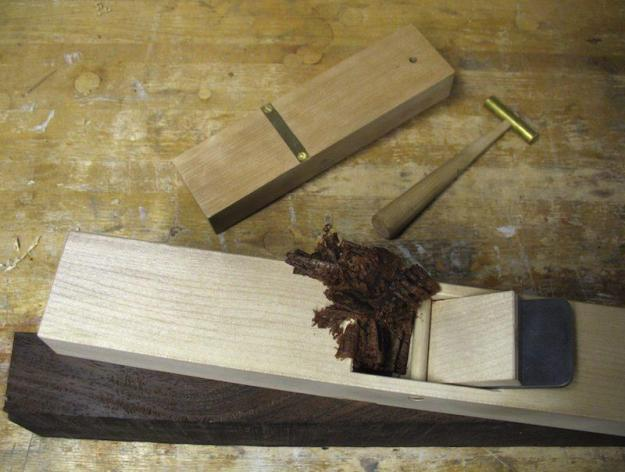 Make a wood hand plane in an afternoon